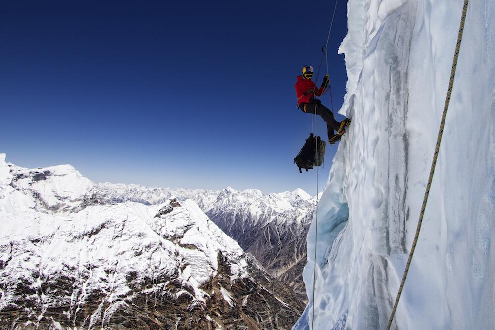 «Дорога в один конец»: в Гималаях погиб знаменитый экстремал Розов